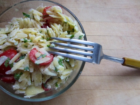 orzo salad with artichokes and parmesan